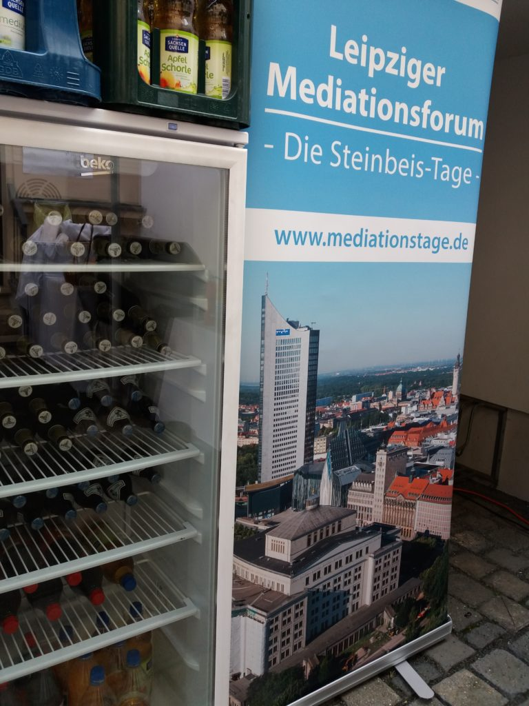 Leipziger Mediationsforum Banner + Getränke
